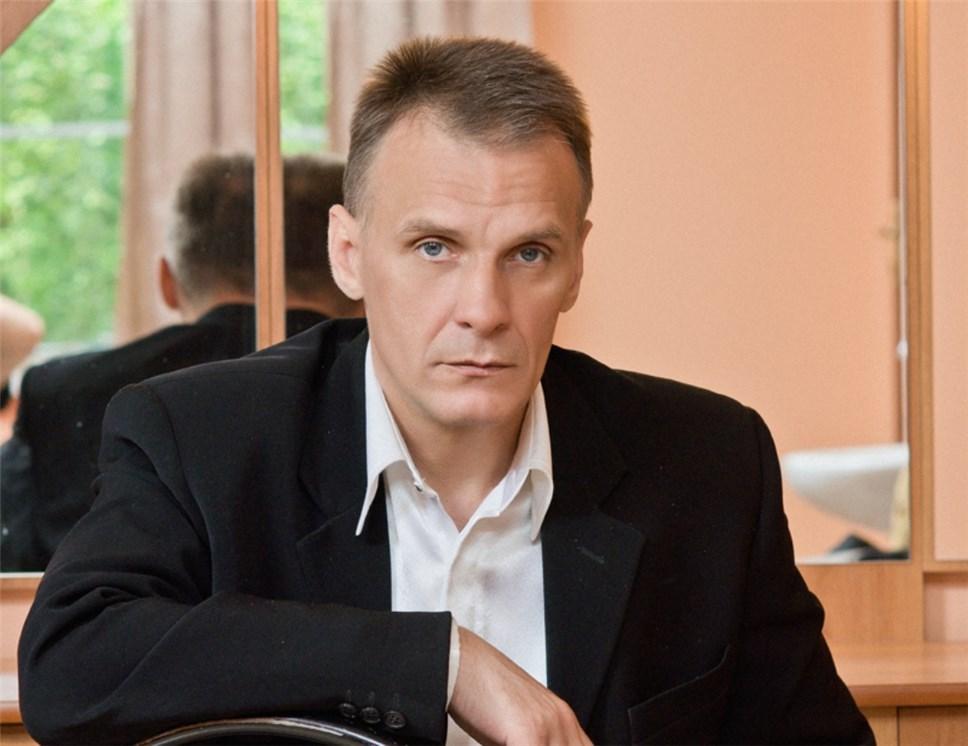 Вдруг скончался ведущий артист Брянского драмтеатра Игорь Игнатов