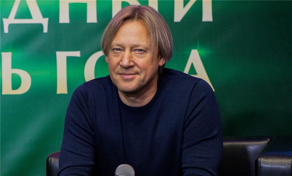 Кирилл Разлогов иДмитрий Харатьян выступят накиносмене форума «Таврида»