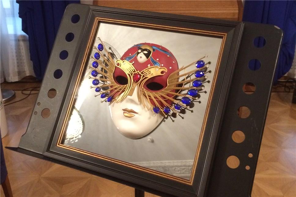 «Золотая маска» ©«Ревизор», Маргарита Глухова