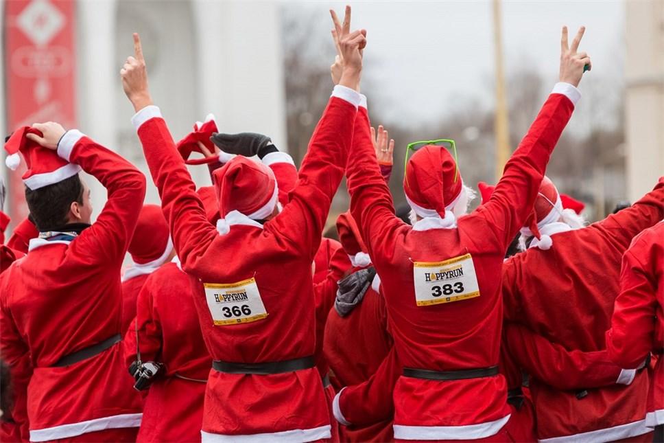 Открыта регистрация натретий ежегодный забег Дедов Морозов впользу фонда «Вера»
