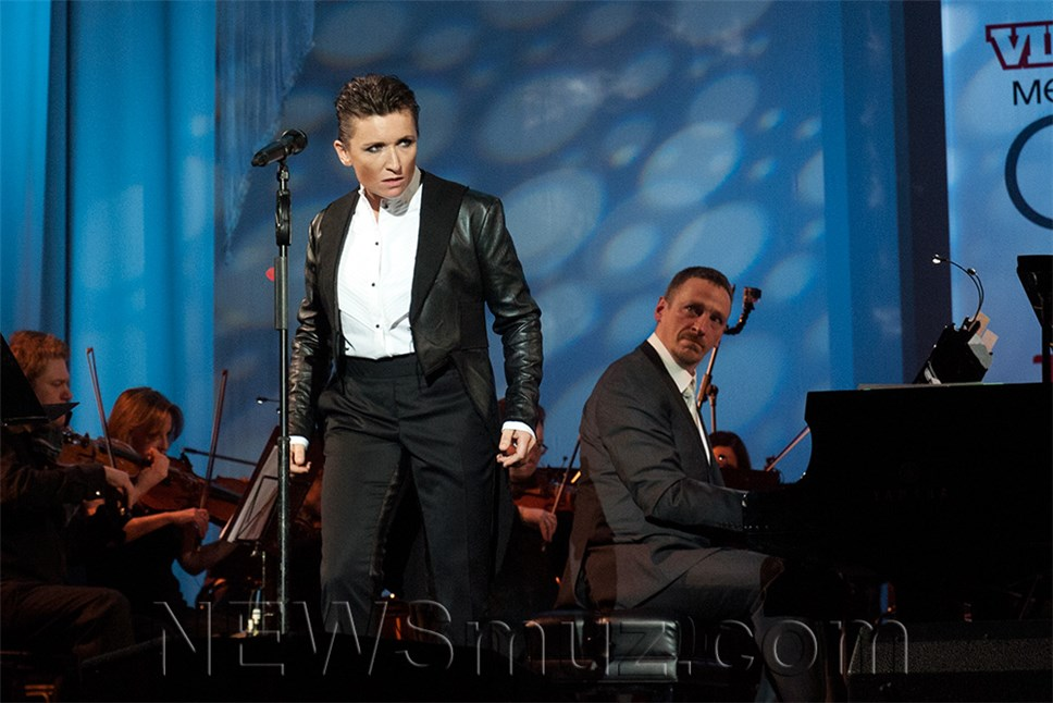 Диана Арбенина спела под аккампонимент симфонического ансамбля Юрия Башмета