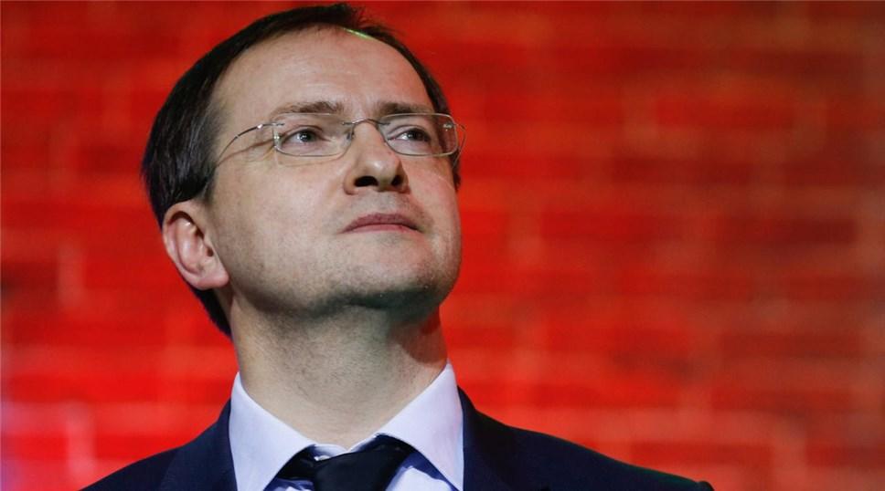 Мединский предложил федеральным театрам выбрать форму управления